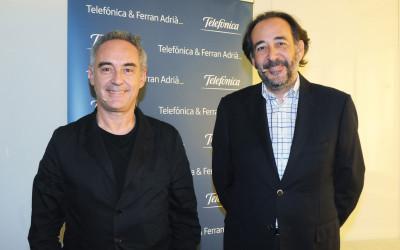 Ferran Adrià y el director de Asuntos Públicos y Regulación de Telefónica, Carlos López Blanco.